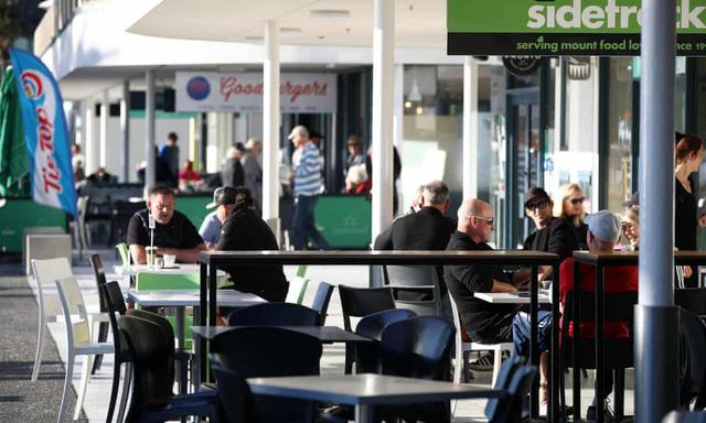 Thủ tướng New Zealand đề xuất làm việc 4 ngày/tuần để kích cầu du lịch - Ảnh 1.