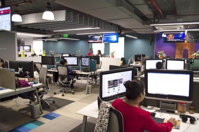 Microsoft sa thải phóng viên phụ trách trang tin, thay thế bằng robot - Ảnh 1.