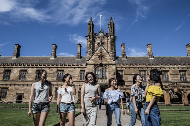 Sự gián đoạn hoạt động nhập cư đe dọa đà tăng trưởng liên tục của Australia - Ảnh 1.