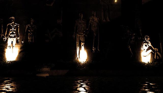 Di tích Hỏa Lò mở cửa đêm - Ảnh 1.