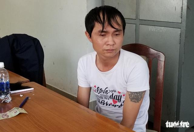 Tạm giam người đàn ông bắt cóc bé gái vào nghĩa trang hiếp dâm - Ảnh 1.