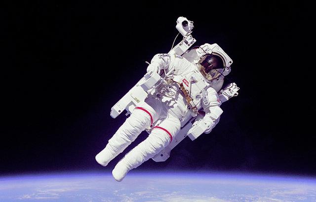 Nga lên kế hoạch chuyến du lịch đi bộ ngoài không gian đầu tiên - Ảnh 1.