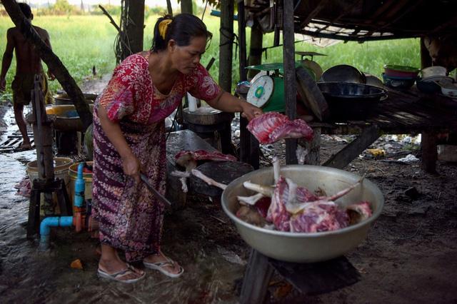 Thành phố du lịch nổi tiếng Campuchia ra lệnh cấm thịt chó - Ảnh 1.