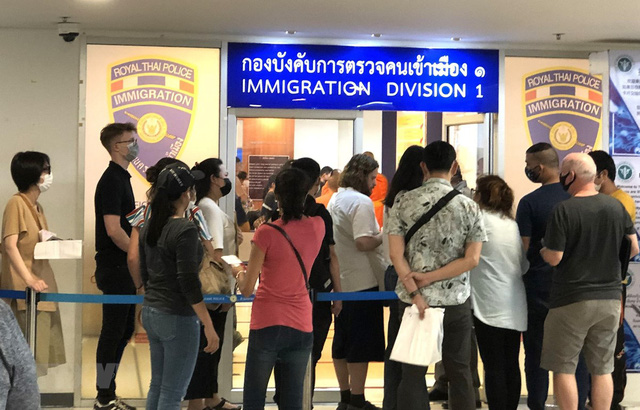 Thái Lan ấn định hạn chót cho người có thị thực ngắn hạn rời khỏi đất nước - Ảnh 1.