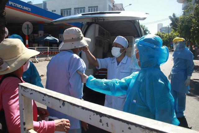 8 bệnh nhân COVID-19 vừa công bố ở Đà Nẵng sáng 30-7 đã đi những đâu? - Ảnh 1.