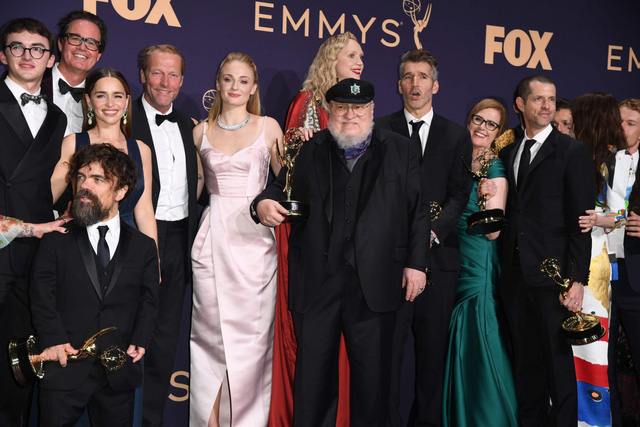 Lễ trao giải Emmy 2020 sẽ diễn ra theo hình thức trực tuyến - Ảnh 1.