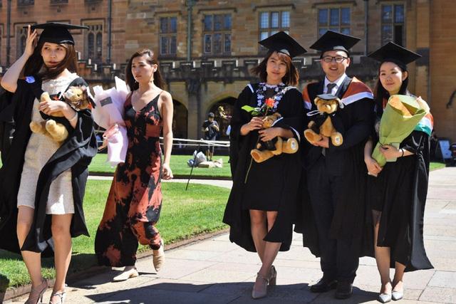 Úc nới lỏng điều kiện cấp thị thực việc làm sau tốt nghiệp cho sinh viên quốc tế - Ảnh 1.
