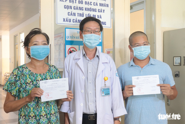 Bệnh nhân 517 xuất viện: Tôi từng suy sụp vì nghĩ mình làm ảnh hưởng nhiều người - Ảnh 2.