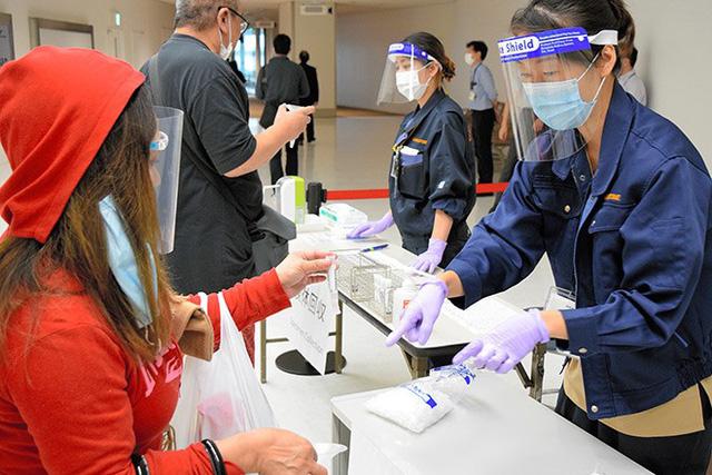 Nhật Bản làm rõ một phần cơ chế khiến bệnh nhân COVID-19 trở nặng - Ảnh 1.