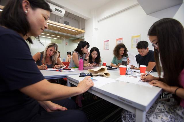 Australia giúp người nhập cư học tiếng Anh - Ảnh 1.