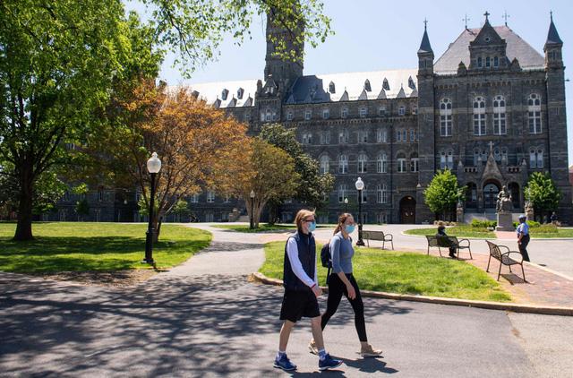 Chính quyền Mỹ tiếp tục áp đặt hạn chế visa với sinh viên nước ngoài - Ảnh 1.