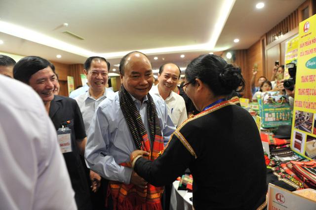 Thủ tướng Nguyễn Xuân Phúc: Cần hình thành một tầng lớp nông dân mới - trẻ, có khát vọng - Ảnh 1.
