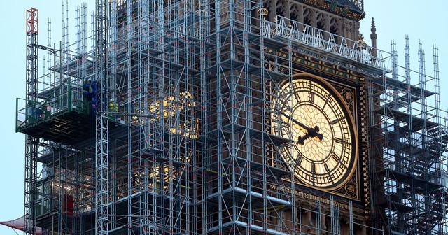 Tháp đồng hồ Big Ben sắp lộ diện sau hơn 3 năm trùng tu - Ảnh 1.