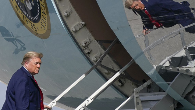 Ông Trump sẽ chia tay Nhà Trắng với 21 phát đại bác, ngồi Air Force One lần cuối? - Ảnh 1.