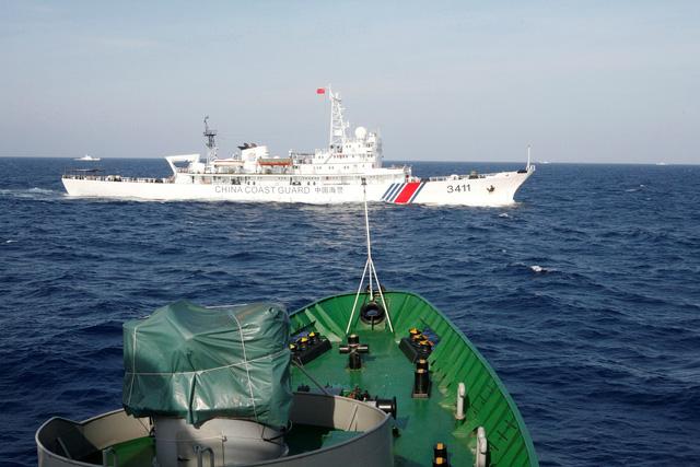 Luật Hải cảnh mới của Trung Quốc cho bắn tàu nước ngoài, cụ thể là gì, dư luận nói sao? - Ảnh 1.