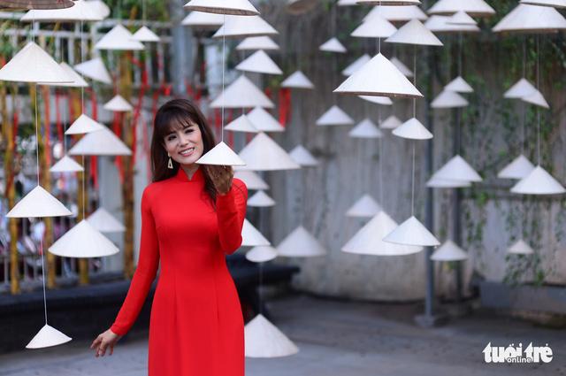 Văn nghệ sĩ diện áo mới du xuân lễ hội Tết Việt Tân Sửu 2021 - Ảnh 3.