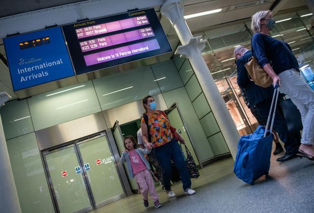 Hành khách đi lại giữa Anh và Pháp phải trải qua các khâu kiểm tra nghiêm ngặt hơn - Ảnh 1.
