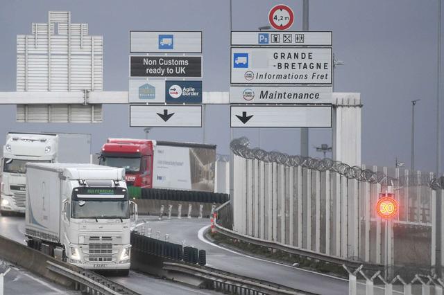 Chi phí vận chuyển hàng hóa sang Anh tăng gấp 4 lần sau Brexit và COVID-19 - Ảnh 1.