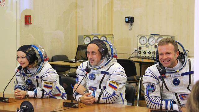 Nga trở thành nước đầu tiên trên thế giới quay phim trên vũ trụ - Ảnh 1.