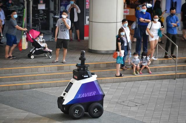 Singapore đưa robot cảnh sát vào hoạt động - Ảnh 1.
