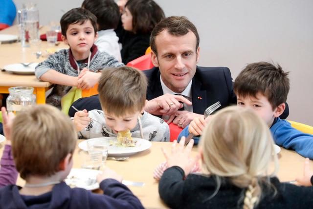 Bữa ăn không thịt tại trường học Pháp gây tranh cãi - Ảnh 1.