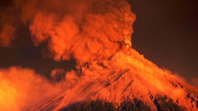 Phát hành trái phiếu thiên tai đầu tiên ứng phó với rủi ro từ núi lửa - Ảnh 1.