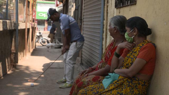 Golf ổ chuột tại Ấn Độ - Ảnh 1.