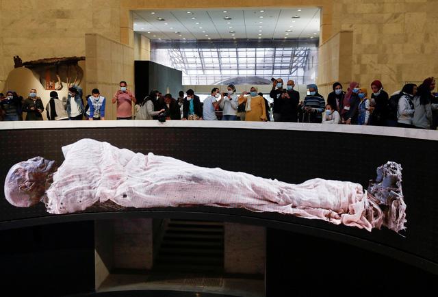 Sảnh trưng bày xác ướp hoàng gia nghìn năm tuổi ở Ai Cập đón khách tham quan - Ảnh 1.