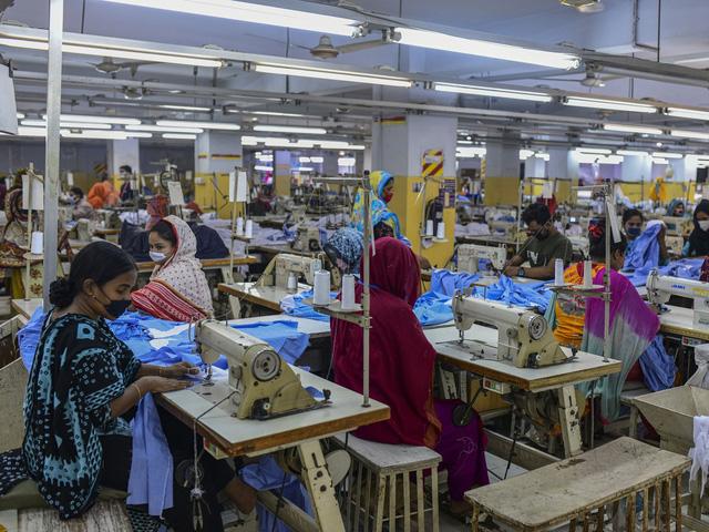 Hiệp hội dệt may của 9 nước kiến nghị các nhãn hàng lớn hành xử công bằng - Ảnh 1.