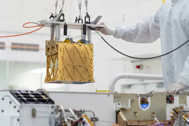 NASA tách thành công oxy từ không khí loãng trên Sao Hỏa - Ảnh 1.