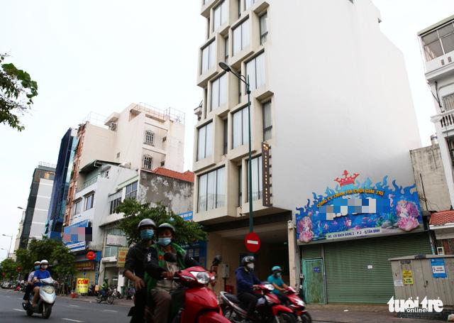 Kiểm tra 38 công trình tại Tân Bình, quá nửa xây trái phép - Ảnh 2.
