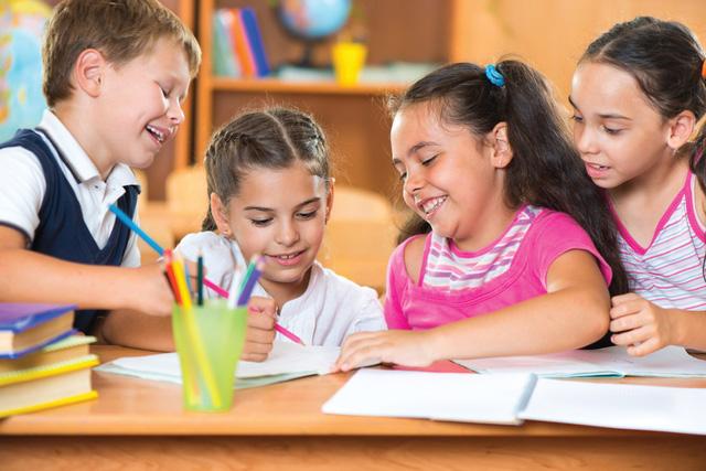 Mỹ hỗ trợ thực phẩm mùa Hè cho hàng triệu học sinh các gia đình có thu nhập thấp - Ảnh 1.