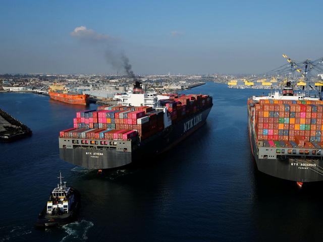 Cảng ở California tắc nghẽn tàu container không khác gì sự cố kênh đào Suez - Ảnh 1.