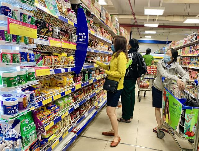 Ngành bán lẻ giữa tâm bão COVID-19:  Khách hàng tìm về giá trị Việt - Ảnh 1.