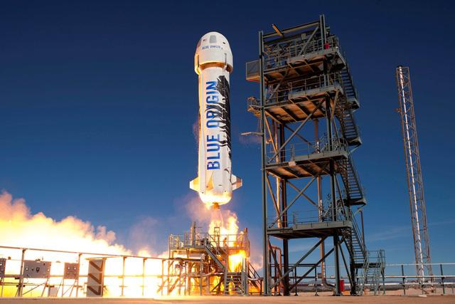 Blue Origin bắt đầu mở bán vé du lịch vũ trụ - Ảnh 1.