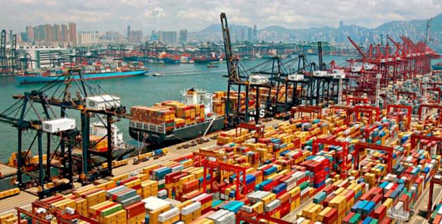 Cước vận chuyển container từ châu Á sang châu Âu vượt ngưỡng 10.000 USD - Ảnh 1.