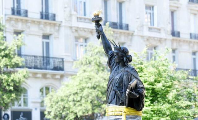 Pháp bất ngờ tặng Mỹ tượng Nữ thần Tự do thứ hai - Ảnh 1.