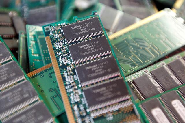 Năm 2022, các nhà sản xuất chip bán dẫn toàn cầu sẽ xây dựng 29 nhà máy - Ảnh 1.