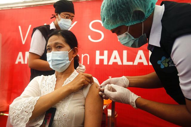 Chính phủ Indonesia muốn phát triển du lịch vắc xin ngừa COVID-19 - Ảnh 1.