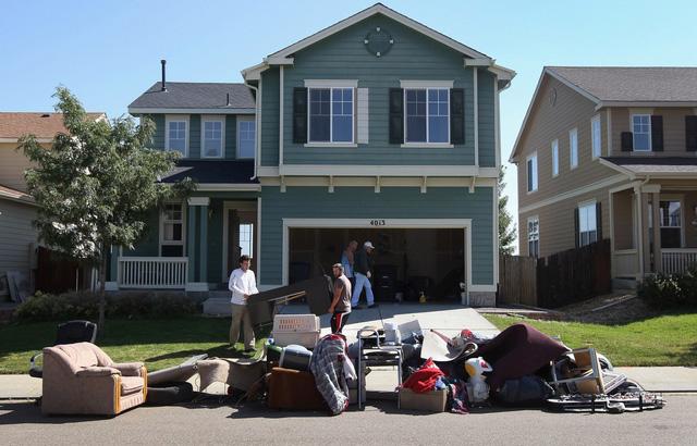 Mỹ duy trì lệnh cấm đuổi người thuê nhà trong giai đoạn dịch COVID-19 - Ảnh 1.