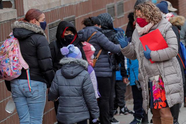 LHQ kêu gọi các nước quan tâm việc cho học sinh trở lại trường học - Ảnh 1.