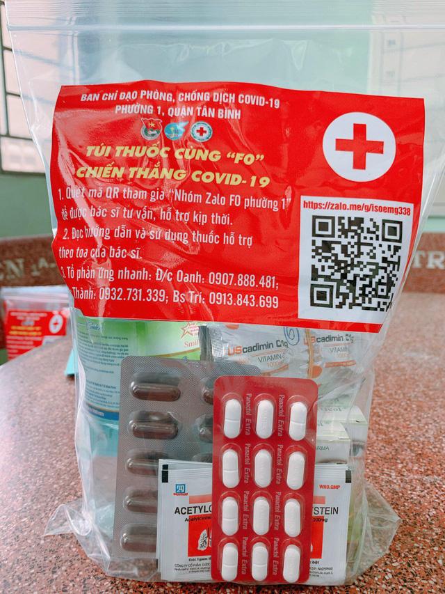 Túi thuốc an sinh cho F0 điều trị tại nhà do phường cấp phát - Ảnh 1.
