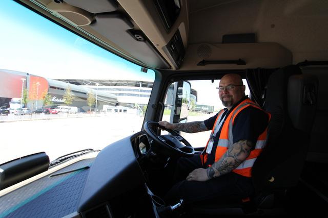 Anh từ chối nới lỏng quy định nhập cư để giải quyết tình trạng thiếu tài xế xe tải - Ảnh 1.