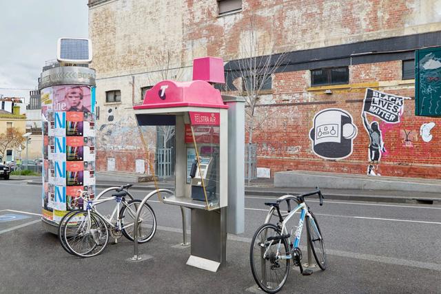 Australia miễn phí cước nội địa cho người sử dụng bốt điện thoại công cộng - Ảnh 1.