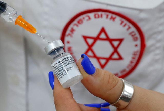 Hãng Pfizer hy vọng có vaccine cho trẻ em từ 5-11 tuổi sớm nhất vào cuối mùa Thu - Ảnh 1.