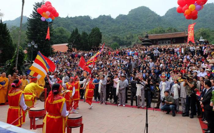 Chùa Hương được công nhận là di tích quốc gia đặc biệt - Ảnh 1.