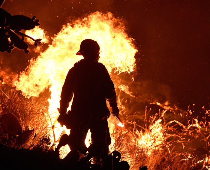 Những hình ảnh kinh hoàng ở biển lửa California - Ảnh 5.