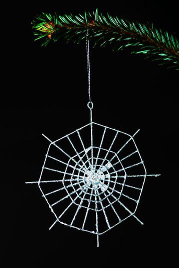 Những phong tục Giáng sinh kỳ lạ khắp thế giới - Ảnh 8.