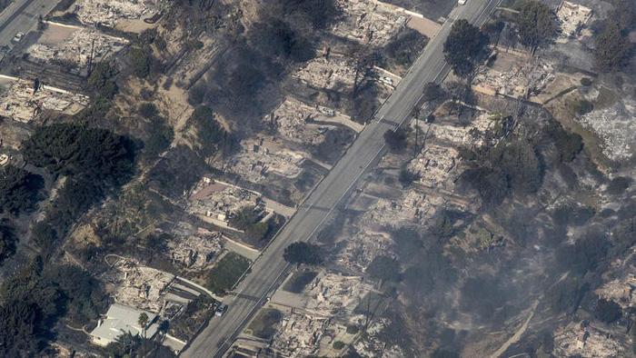 Những hình ảnh kinh hoàng ở biển lửa California - Ảnh 21.
