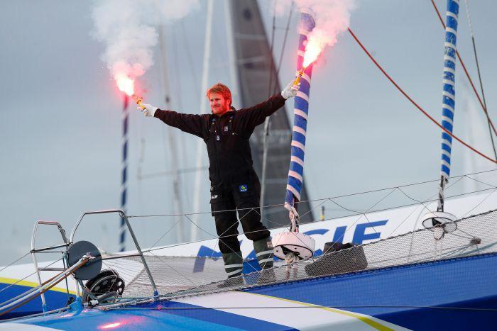 Người Pháp lại phá kỷ lục vòng quanh thế giới bằng thuyền buồm - Ảnh 2.